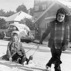 Snow, Newport, OR, 1950 (Oregon Digital) Newport Oregon, Historical Pictures, Oregon Coast, Snow, History, Digital, Vintage, Historia, Vintage Comics
