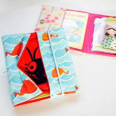 Mit den Schritt-für-Schritt Fotos zeige ich Dir, wie Du eine süße Pixibuchhülle mit Geheimfach nähen kannst.