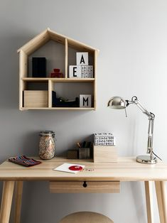pysselhörna, barnrum, Ikea, skrivbord Greek House, Ikea Desk, Kid Spaces, Decoration, Floating Shelves, Home Office, Home And Family, Wood, Table