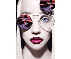 Fotografías surrealistas de modelos con lentes