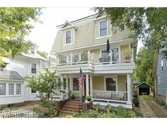 5 Murray Avenue, Annapolis, MD 21401 — Condo w/4 units,7350 sq. ft., all like new(w/ rental licenses)w/separate heat,cool,elec,laundry.Seller will finance!Excellent finishes.Luxury unit for owner occupancy if desired,w/3 additional pvt.units.Condominium docs available,all City approved.Well located in beautiful neighborhood,walk everywhere.Water access near,water taxi to City Dock.3 lg porches,huge terrace,fountain.2 park spaces.