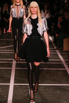 Givenchy Spring 2015 Ready-to-Wear - Collection - Gallery - Look 56 - Style.com