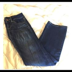 American Eagle boot cut denim 2 short American Eagle size 2 short Slim Boot Cut Stretch. Has fraying as photographed. American Eagle Outfitters Jeans Boot Cut