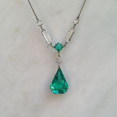 Hey, I found this really awesome Etsy listing at https://www.etsy.com/listing/197466875/1930s-emerald-green-geometric-teardrop