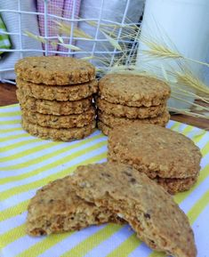 Galletas Digestive : My Europian Cakes My Recipes, Real Food Recipes, Cookie Recipes, Sin Gluten, Cookie Bars, Biscotti, Easy Meals, Food And Drink, Snacks