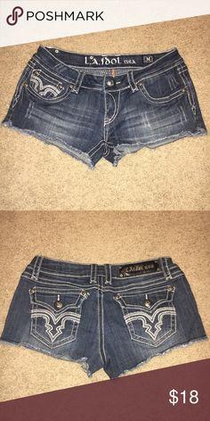 Pocket Design Jean Shorts EUC!! Worn once!! LA idol USA Pocket Design Dark Wash Jean Shorts. Size M. 97% Cotton, 3% Elastin. LA idol USA Shorts Jean Shorts