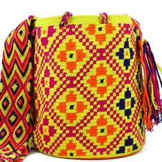 ✨✨✨NEW NEW ✨✨✨ This stunning Wayuu Mochila is available at www.mobolso.com   Whatsapp +61 405725378   Worldwide Shipping✈️