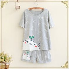 Buy Fairyland Set: Short-Sleeve Print T-Shirt + Shorts at YesStyle.com! Quality products at remarkable prices. FREE WORLDWIDE SHIPPING on orders over US$35.