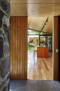 A Sunny Glass Box Helps This Bluestone Cottage Connect to the Garden