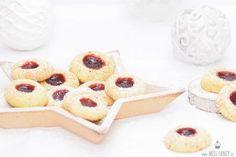 Engelsaugen-Plätzchen oder Husarenkrapfen zu Weihnachten gehören einfach zu den beliebtesten Weihnachtsgebäcken und somit auf den Plätzchenteller!