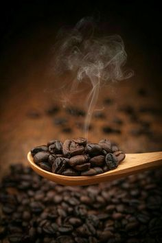 Close up coffee beans on wooden spoon by artintownphotography on – Lebensmittel I Love Coffee, Best Coffee, Coffee Break, My Coffee, Starbucks Coffee, Coffee Angel, Coffee Course, Coffee Bean Art, Coffee Mugs
