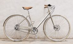 The very lovely urban bike, BIXBY, by Shinola. This tempts me. via design boom