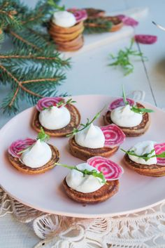 Blinis à la betterave et chantilly de raifort - aime & mange