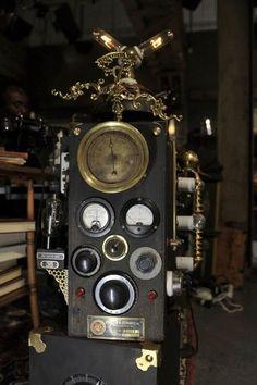 Dieselpunk PC (Aetherometers, judging pressure, gravity, vibrations and pull.)