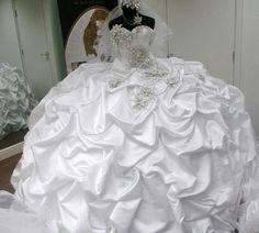 Ideas for dress wedding gypsy gipsy Gypsy Wedding Gowns, My Big Fat Gypsy Wedding, Gipsy Wedding, Big Wedding Dresses, Amazing Wedding Dress, Bridal Gowns, Bling Wedding, Crazy Dresses, Gypsy Dresses