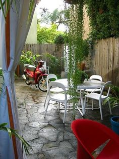 9 Inspiring Outdoor Spaces From LA House Tours | Apartment Therapy
