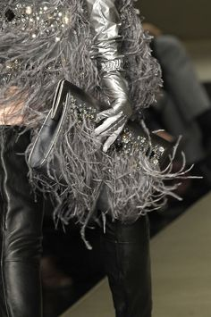 Krizia - Silver gloves & Purse against black leather. So chic. Pastel Outfit, Glamour, Silver Color, Black Silver, Silver Style, Glamorous Chic Life, Shades Of Grey, Fifty Shades, High Fashion
