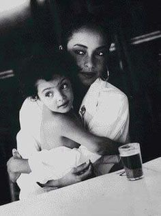 Sade and daughter Ila
