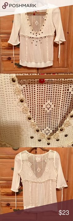 🌹 Free People 🌹 🌹 Ivory Cream Crochet Gauze Drawstring Sleeves Brass Embellishments 🌹 Say that 10 times fast! 😂 🌹 No rips stains or flaws 🌹 Perfect condition 🌹    🌹 Make bundle make offer 🌹 Free People Tops Blouses
