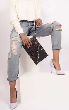 Ultra bold! The Grenade bag of the Starborn collection is a fan favourite. Ideal for a night out. This leather bag (clutch) is available via studmuphin.com Luxury Bag Brands, Luxury Bags, Leather Craft, Leather Bag, Night Out, Attitude, Fan, Collection, Style