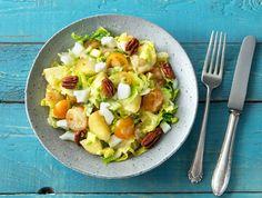 Zomerse krieltjessalade met sinaasappel-oreganodressing en ei