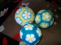 African flower ball/baubles xx