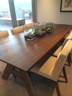 Awesome table and chairs