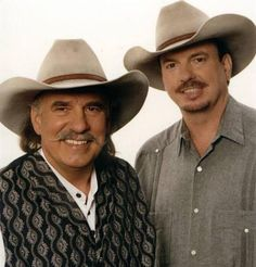 Bellamy Brothers---Seen in they did a show with Lee Greenwood in Branson. Pretty good show. Country Western Singers, Country Musicians, Country Music Artists, Country Girls, Country Men, Country Music Stars, Best Country Music, Music Pics, Music Songs
