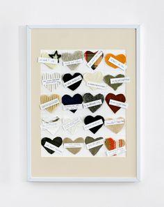 Herzstücke - Hier sollten die Gäste ein Herz aus einem abgelegten Kleidungsstück nach einer Vorlage, die in der Einladungskarte beinhaltet war, ausschneiden und zur Hochzeit mitbringen. Auf der Feier wird das Kunstwerk dann vervollständigt.