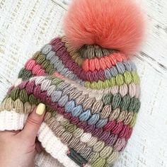 Marvelous Crochet A Shell Stitch Purse Bag Ideas. Wonderful Crochet A Shell Stitch Purse Bag Ideas. Bonnet Crochet, Crochet Cap, Crochet Beanie, Knitted Hats, Loom Knitting, Free Knitting, Knitting Patterns, Crochet Patterns, Knitting Scarves