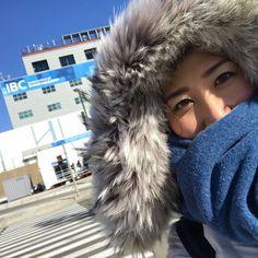 平昌(ピョンチャン)から、桑子です! 氷点下の朝、私たちの放送拠点IBC(国際放送センター)の前で。 世界87か国の放送局が集まっているIBC。登録された報道陣の数は1万人以上!日に日に増えているのを実感します。 きょうは一橋さんが選手村の取材に行って、こんやの#ニュースウオッチ9 でお伝えします! わたしは開会式のリハーサルに行ってきます! #nhk #nw9 #平昌オリンピック #pyeongchang2018 #ibc #olympic #五輪 #桑子真帆 #寒い #평창 #올림픽 #평창올림픽