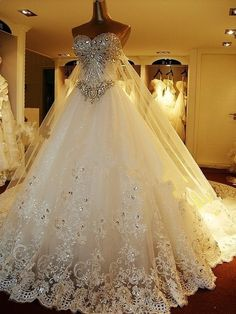 Crystal bright diamond wedding dress with Diamond Rhinestone long veil #amazing #wedding #dresses