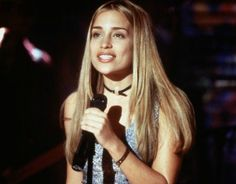 Violet (Piper Perabo) ~ Coyote Ugly - Movie Stills ~ Coyote Ugly, Ugly Hair, Piper Perabo, Ugly Outfits, 90s Fashion Grunge, 90s Grunge, 90s Models, 90s Hairstyles, Star Wars