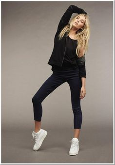Elsa Hosk is the star of Mavi's fall-winter 2016 outing. Appearing in this season's campaign, the Victoria's Secret angel joins models Francisco Lachowski Victoria Models, Diva Fashion, Womens Fashion, Minimal Look, Elsa Hosk, Denim Branding, Mavis, Strike A Pose, Aesthetic Clothes
