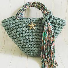 ❤️soldout❤️スモーキーマルシェ 底約15×口約37×高さ約23持ち手含まず 5400円+送料 ご購入希望していただける方はコメント下さい❤️❤️❤️ 編み方、仕入先に関するご質問はお答えできかねます。  #zpagetti  #フックドゥ  #ズパゲッティ  #crochet  #コンチョ #リンクコーデ #ミネトンカ  #handmade #キッズコーデ  #marche #マルシェバッグ #スマイル #ロンハーマン  #エスニック #ミリタリー #croche #デニム #ganxxet #ハワイ #hawaii #スターフィッシュ #ヒトデ  #ターコイズ #エスニック #インディゴ  #Honolulu  #hoookedzpagetti #ターコイズ #迷彩  #デニム  #カモフラージュ  #星コンチョ