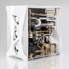 "Finally got her done! ""BLANCO""🤩🔥 All white chassis with modern architecture design elements. Gaming Pc Build, Computer Build, Gaming Pcs, Gaming Room Setup, Build A Pc, Pc Setup, Diy Computer Case, Computer Setup, Gaming Computer"