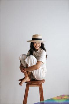Faye Medium - Natural Straw Boater Hat : Straw hats, felt hats, baseball caps - - - we have them all! Fashion Photography Poses, Amazing Photography, Photography Tips, Portrait Photography, Photography Lighting, Digital Photography, Photography Composition, Photography Backdrops, Photography Poses