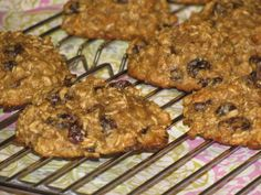 FAT BURNING Giant Oatmeal Raisin Breakfast Cookies