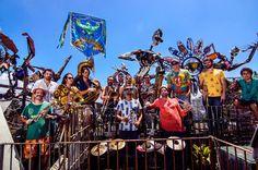 O Sesc Madureira recebe, em clima de festa e carnaval, a Orquestra Voadora, no dia 14 de fevereiro, com entrada franca.