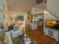 Birdsong Cottage - Newly Renovated Perfection in Montecito ON SPECIAL! - 20% OFF available nights from now through July 31, 2016 Enchanting is the only way to describe this quaint cottage, perfectly located near ...