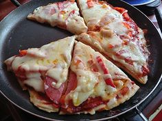 Pizza rapida la tigaie ~ Bucatar maniac si prietenii