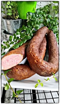 Ewa w kuchni: Wiejska kiełbasa Smoking Meat, Sausage Recipes, Sauce, Cooking, Food, Sausages, Dish, Polish Sausage Recipes, Hams