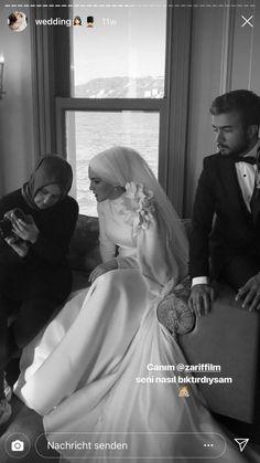 Bridal Hijab, Hijab Bride, Wedding Hijab Styles, Muslimah Wedding, Big Dresses, Muslim Brides, Hijab Dress, Princess Wedding Dresses, Dream Wedding
