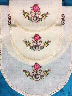 Crewel Embroidery, Embroidery Designs, Cross Stitch Designs, Cross Stitch Patterns, Baby Knitting Patterns, Flower Art, Diy And Crafts, Canvas, Crochet