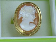 Vintage 14Kt Gold Shell Cameo Ring