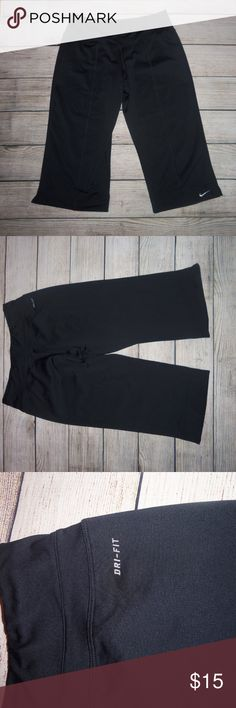 Nike Dri-Fit Capri Workout Pants S These are in great shape. Perfect for working out. Capri style.   inseam is approx 18 inches Nike Pants Capris