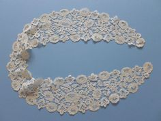 A Victorian Honiton Guipure Lace Collar with Roses and Tally Centres | eBay