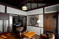 kyoto-machiya-inn.com Japanese Interior, Modern Interior, Interior Design, Japanese Architecture, Interior Architecture, Japanese Style House, Wallpaper Decor, Taste Of Home, Cool Rooms