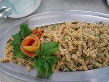 Salada-de-macarrao-com-atum