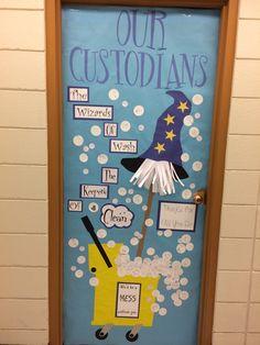 students write notes on all the bubbles. Teacher Morale, Staff Morale, School Leadership, School Counseling, School Staff, School Fun, Hallway Bulletin Boards, Class Door, Write Notes